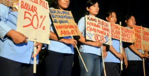 UNIQLO women workers dismissed without severance pay